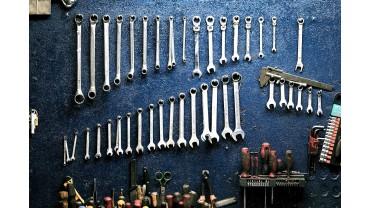 Инструмент для автомобилиста: багажник и гараж