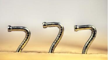 7 способов забить гвоздь без молотка